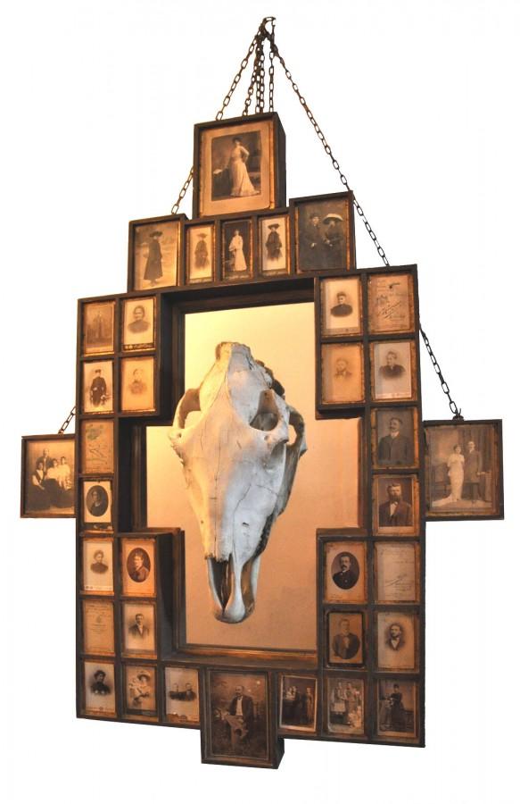 Duhuri si oglinzi, 2006, obiect instalatie, 85x120cm